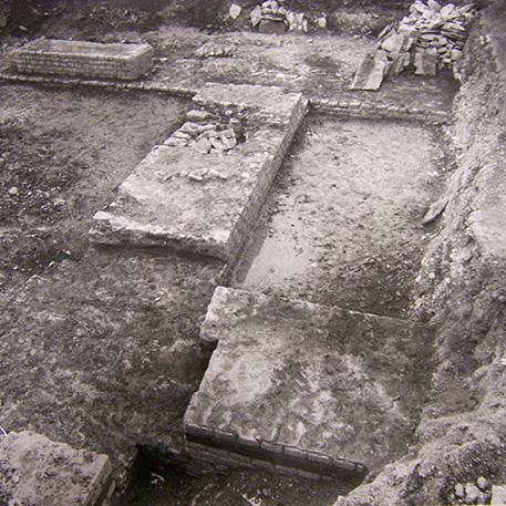 Les premières restaurations et la relance des fouilles 1958-1981