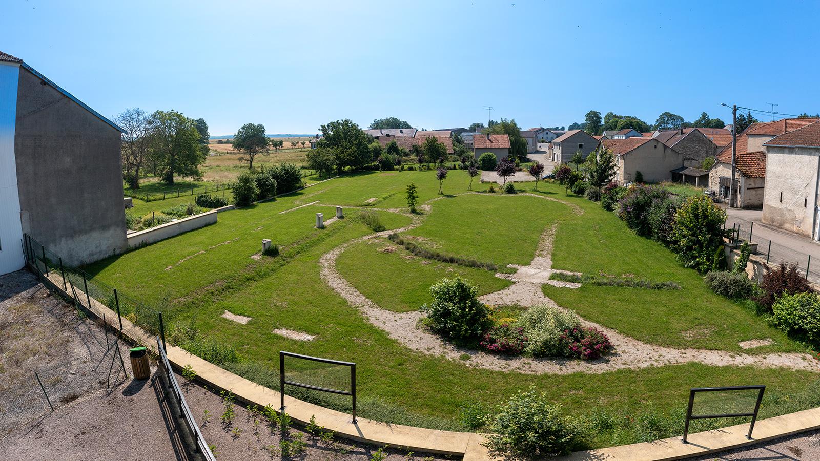 Vue sur le jardin archéologique